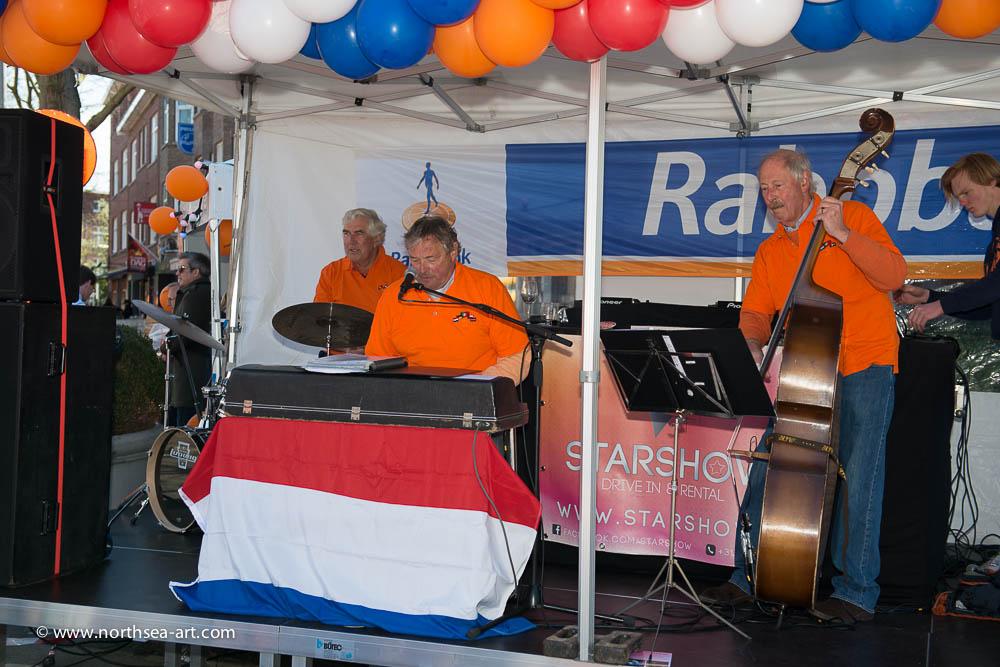 Optreden Koningsdag Van Hoytemastraat
