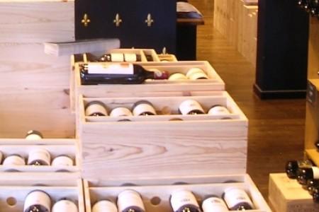 Wijnkisten Henri Bloem, winkelgebied van Hoytemastraat Benoordenhout